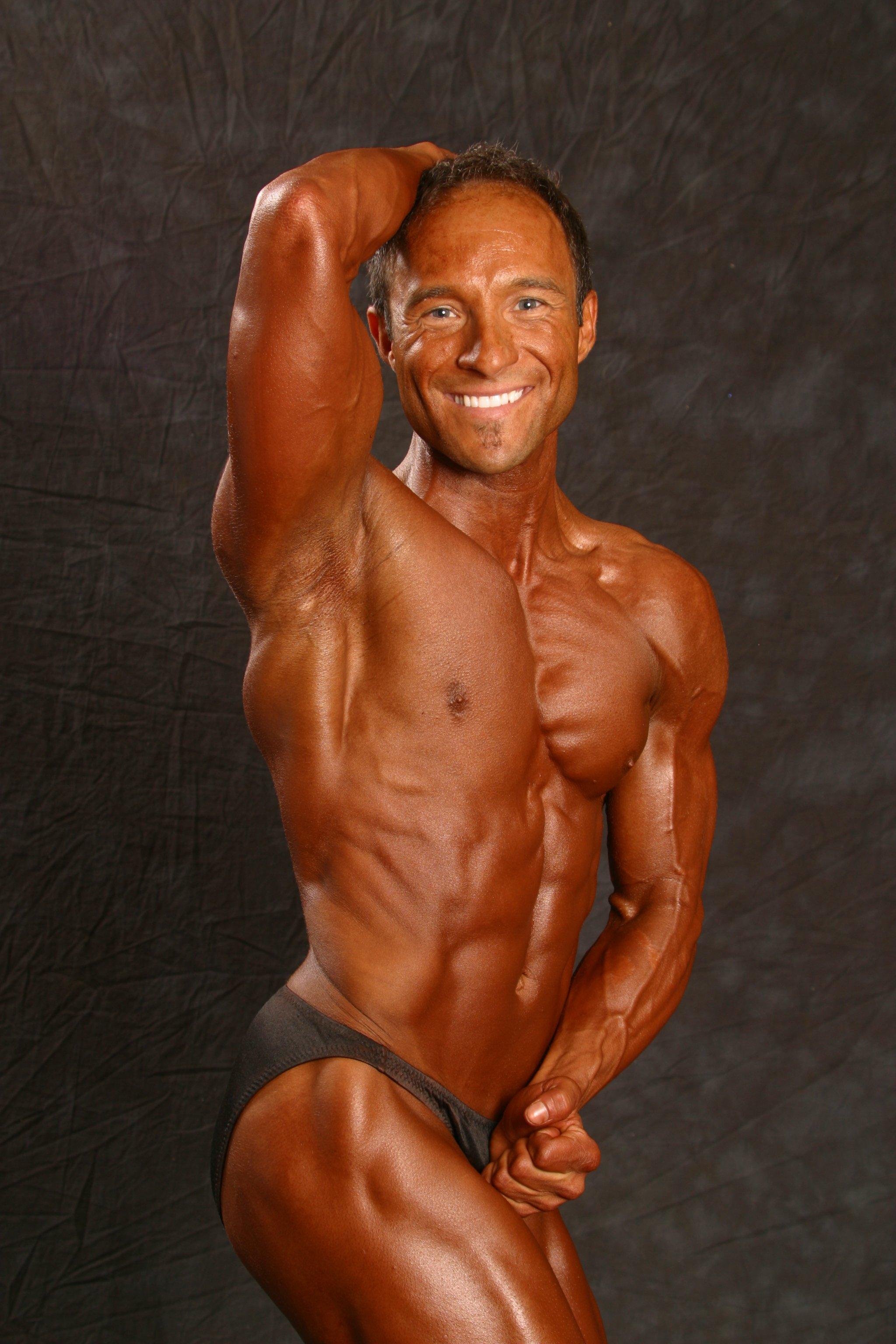 Jim Ribau - Bodybuilding - 2007 06 23 - 12 - Obliques pose